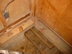 基礎立ち上がりに配管のスペースが