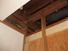 天井を解体